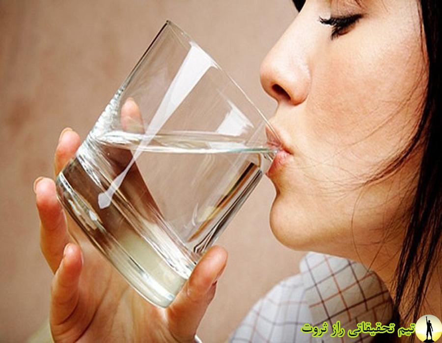 خواص و فواید نوشیدن اب گرم